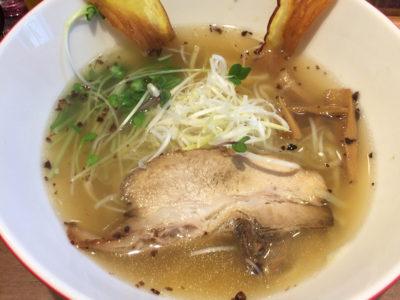 大阪【本町/堺筋本町】麺の食感が衝撃的にうまいラーメン!「つけめん・らーめん海老鶏麺蔵」がおすすめ